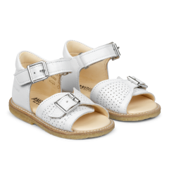 Starter sandal with velcro and buckle closure