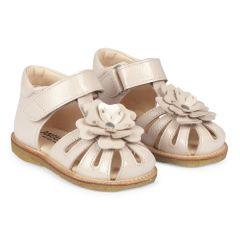 Begynder sandal med justerbar velcrolukning