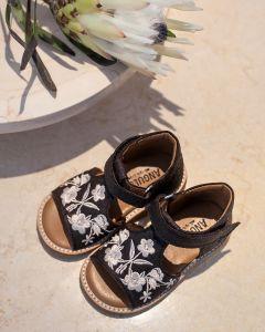 Begynder sandal af veganske ananasfibre