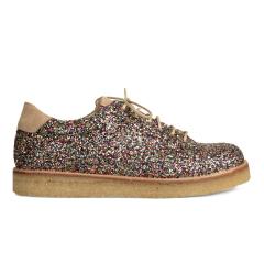 Sneaker i glitter på plateausål.