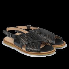 Slingback sandal med hulmønster og spænde