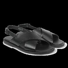 Sandal med nitter.