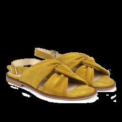 Sandal med spænde.