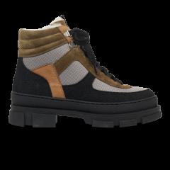Støvle med uldfoer.